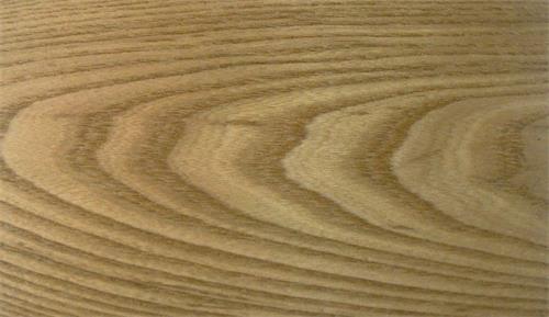 如水曲柳木皮,榆木,榉木, 对角花圆锥形花纹———旋切与原材主轴成